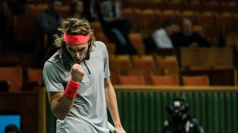 In the semifinals of Stockholm, Tsitsipas!