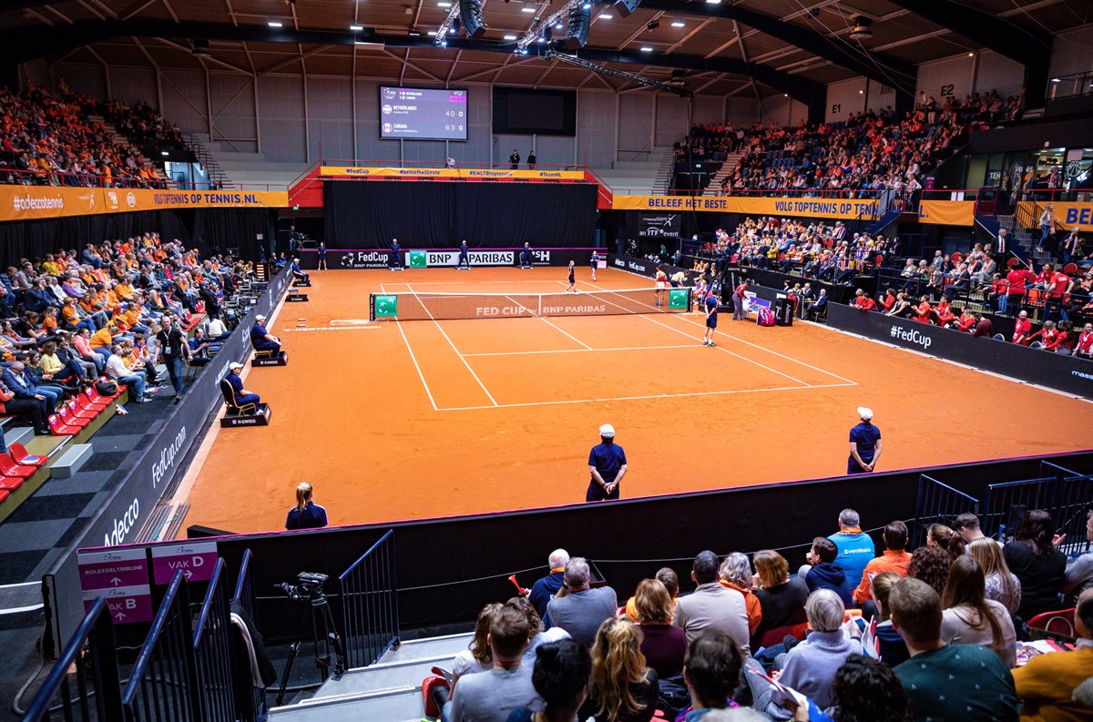 France and Belarus to the semis of Fed Cup.