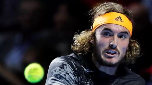 Comfortable win for Tsitsipas in his Paris' debut